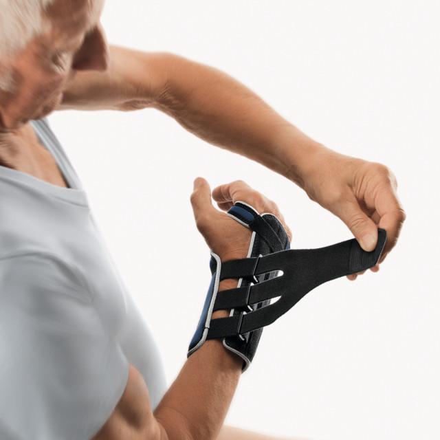 Orteza nadgarstka dla osób starszych
